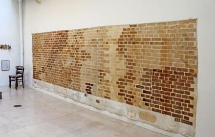 Jacques Lizène - Grand mur des défécations, être son propre tube de couleur