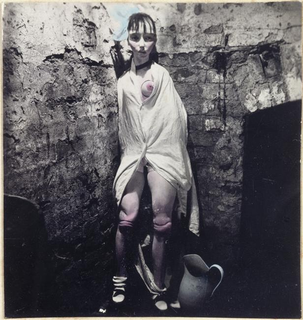 012_hans-bellmer_theredlist