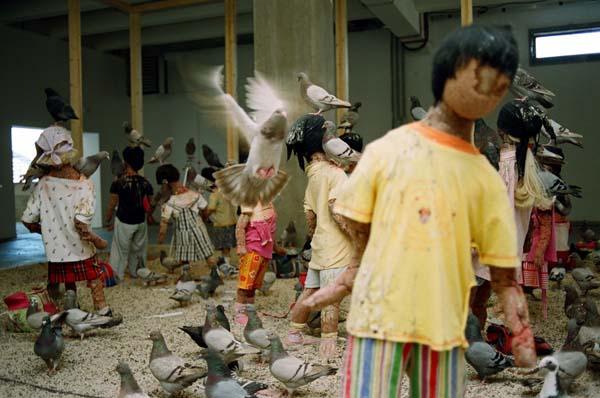kader-attia-pigeons-enfants-2