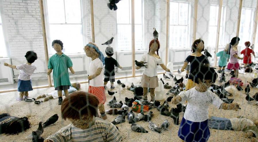 kader-attia-pigeons-enfants-2005--flying-rats