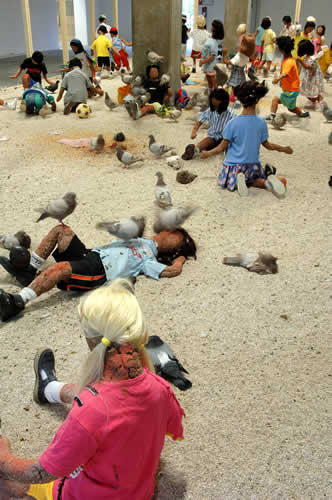 kader-attia-pigeons-enfants--6-flying-rats