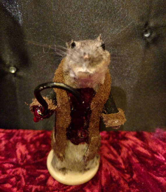 rachel-garcia-souris-walking-dead-zombie-taxidermie-13